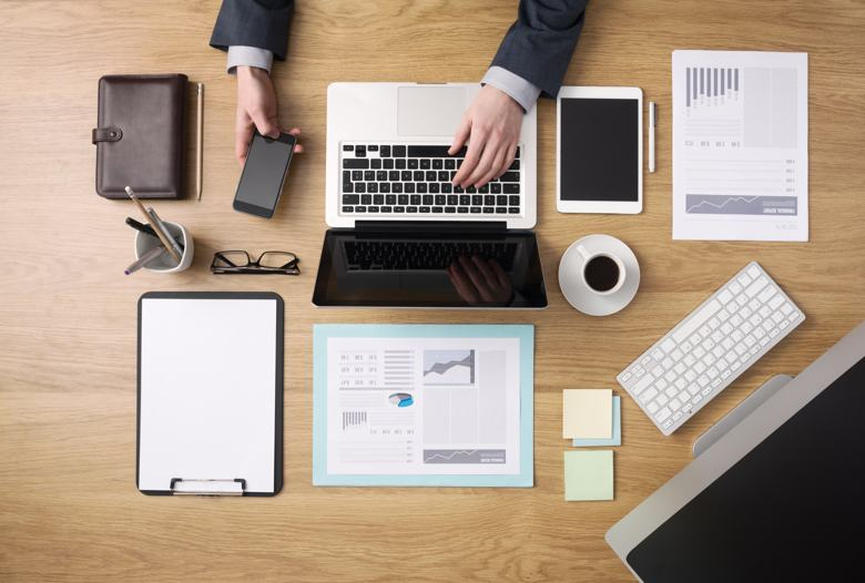 office work desk. 10 Hacks To Keep Your Office Work Space Clean And Tidy Desk