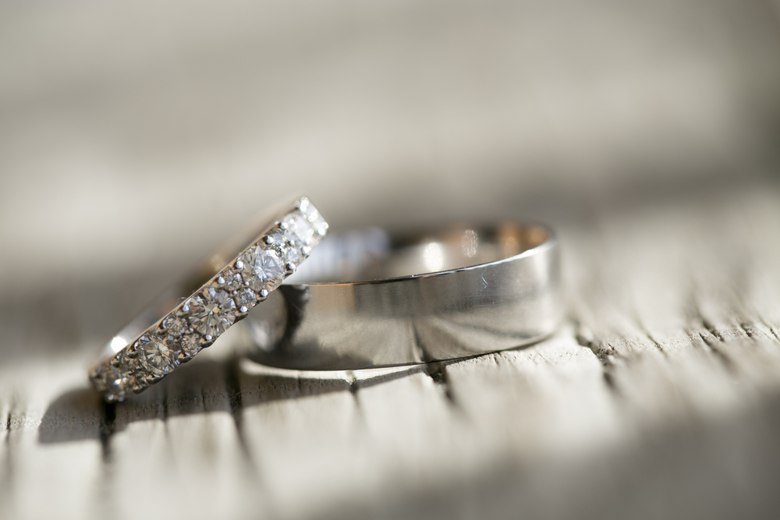clean-wedding-rings
