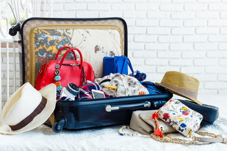 4 Tips and Tricks To Keep Your Clothes Clean When On Holiday