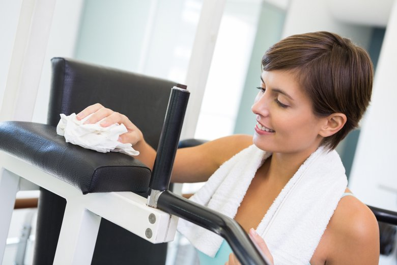 cleaning-gym-equipment